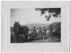 Photo prise devant la ferme, 1942